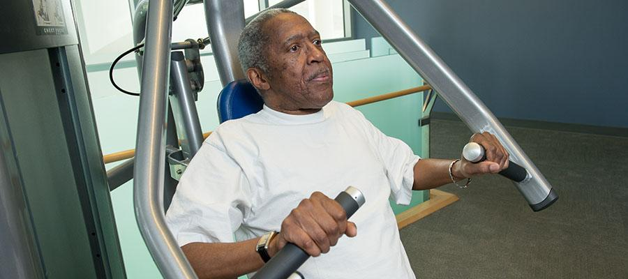 COPD patient, Ronny, working out