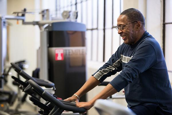 Ronny, COPD patient, exercising on stationary bike