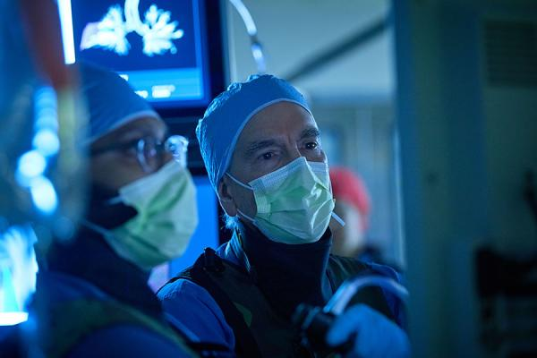 Gerard Criner in lung operating room